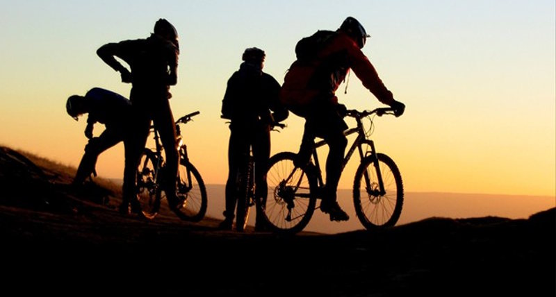 mountain bike tramonto
